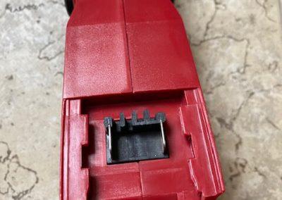 rukoväť detail uchytenia akumulatora